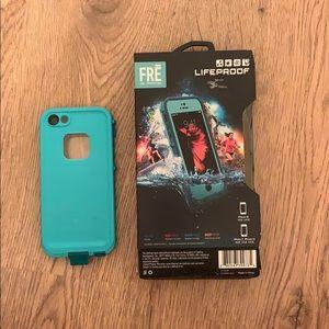 LIFEPROOF iPhone SE/5s case